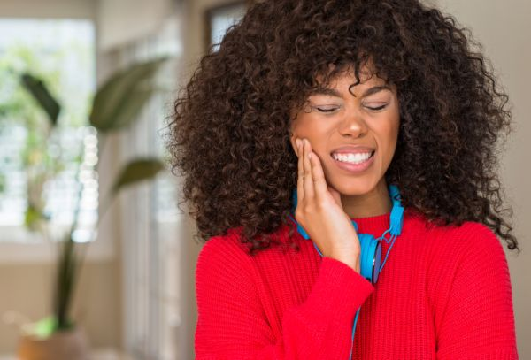 What Causes Toothache Pain? [Ask A General Dentist In Chicago]